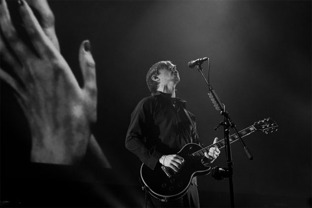 Picture of the group Interpol in concert taken by Leyda Luz