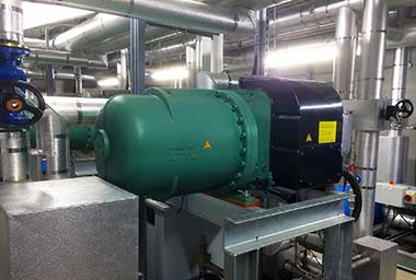 Compressor-pack-in-plant-room