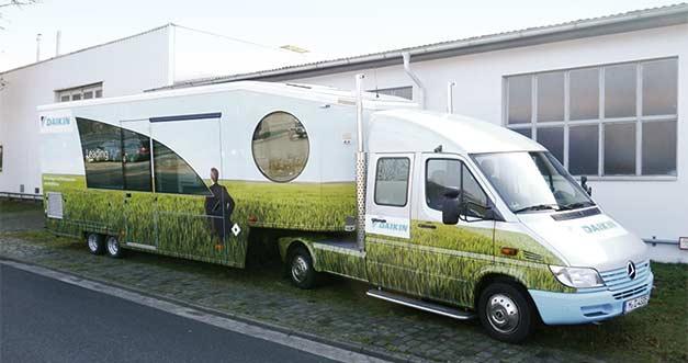 Daikin-R32-truck
