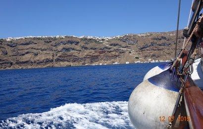 Pokračujeme v plavbě na ostrůvek  Thírasia.