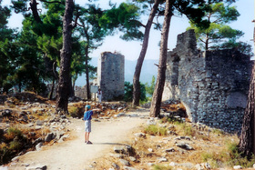 Akropole - zříceniny chrámu Apolona Pythia