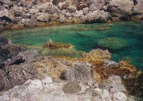 Paleokastritsa - členité pobřeží