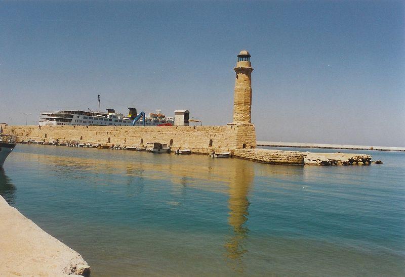 Rethymno - benátský přístav s majákem