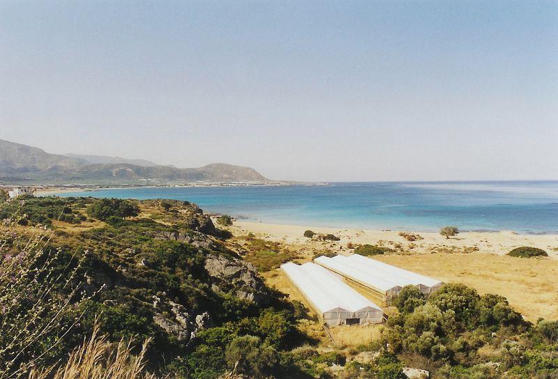 zátoka Kountri s pláží Phalassarna, planina plná foliovníků