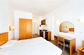 Amfitriti Hotel a Studia