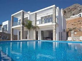 Navarone Bay Villas