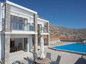 Navarone Bay Villas