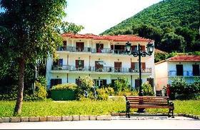 Kostas Studia