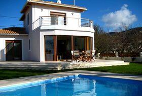Almond vila