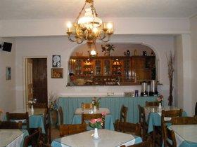 Kréta Santorini 2009 339 kuchyňka a sníd.bufet