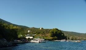 malý prístav a taverny