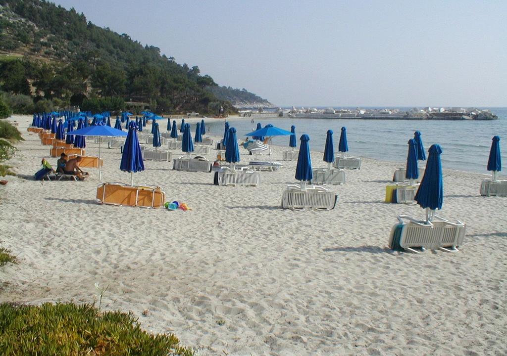 Makryamos Beach