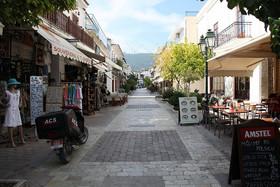 Skiathos_Town3_mantonl