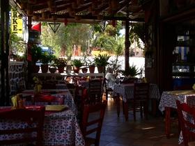 Karfas - oblíbená taverna Pinaleon