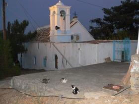 Karfas - kostelík v noci