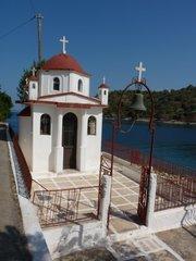 malicky kostolik na okraji