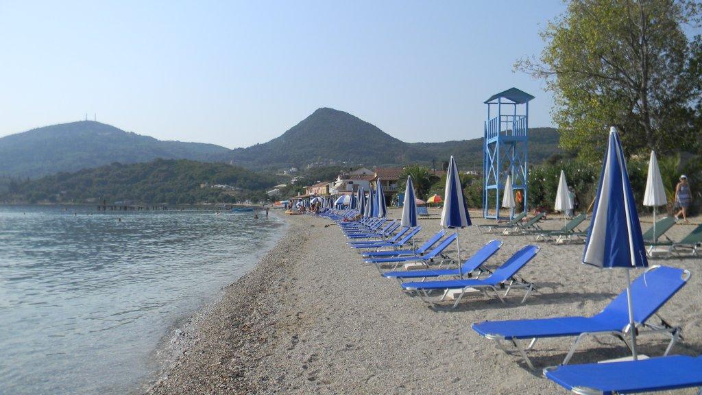 Pláž v Messonghi