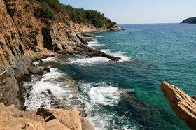krásné moře a skály u Paradise beach