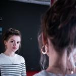 """Interview Maisie Peters: """"Je komt op tour echt tot inkeer over je muziek."""""""