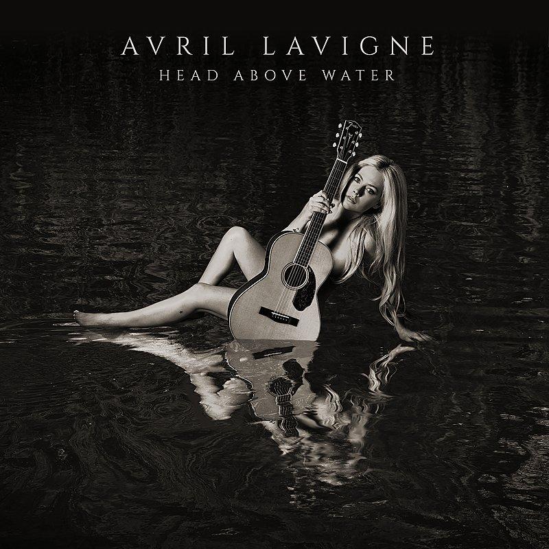 """Avril Lavigne – Head Above Water (★★★½): """"Wisselvallig met een hoopvolle opklaring"""""""
