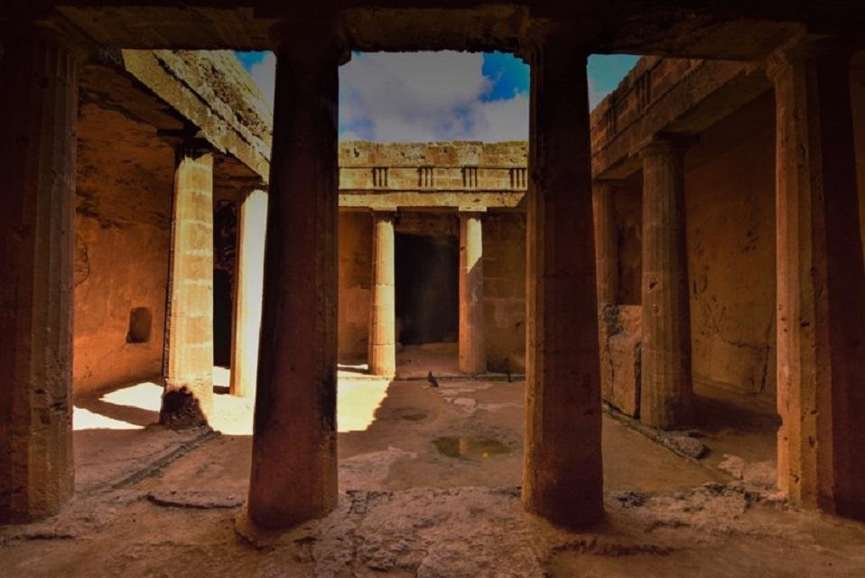 nicolas_ktorides_tomb