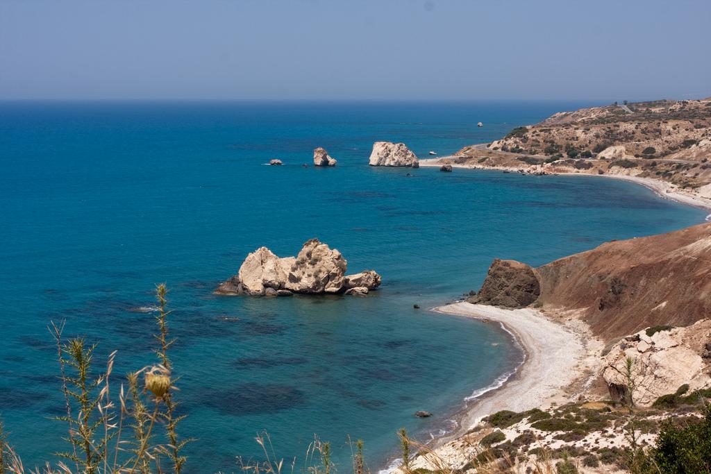 Петра-ту-Ромиу_на_Кипре,_панорамный_вид