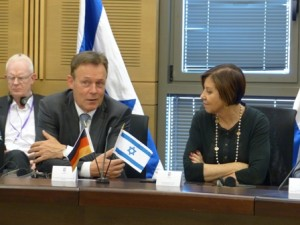 Oppermann with Zahava Galon, May 2015