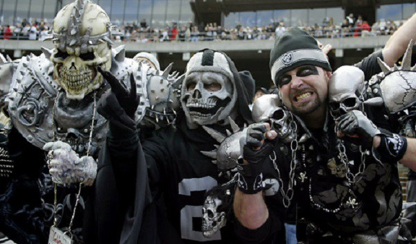 oakland-raiders-fans