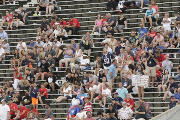 Зрители на матче между США и Японией за золото ЧМ-2015. Фото: USA Football