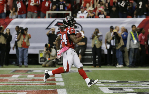 10.4.15-Devonta-Freeman-1024x650
