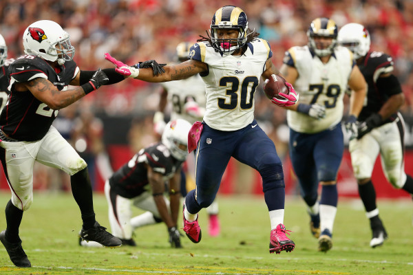 GLENDALE, AZ - OCTOBER 04: Running back Todd Gurley #30 of the St. Louis Rams runs past free safety Rashad Johnson #26 of the Arizona Cardinals during the second half of the NFL game at the University of Phoenix Stadium on October 4, 2015 in Glendale, Arizona.  (Photo by Christian Petersen/Getty Images)