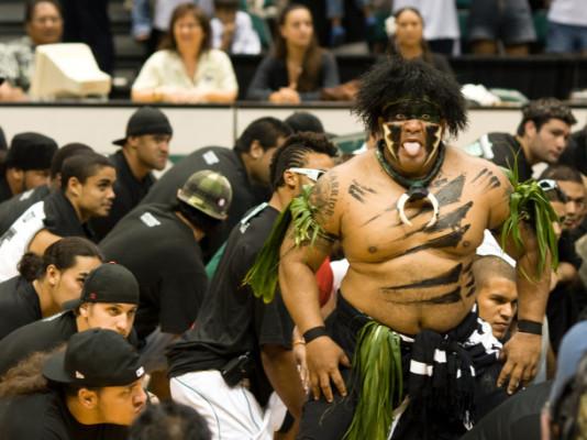 Vili-the-Warrior-University-of-Hawaii-Mascot-Monday-Rainbow-Warriors-610x457