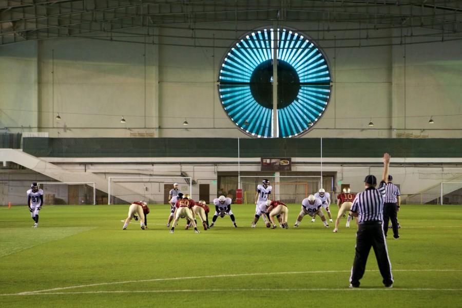 November 7, 2015 / Saint Petersburg, Russia / Teams on the snap / © First&Goal (firstandgoal.ru) / Yuriy Marin