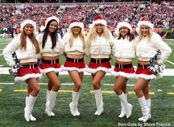 Bengals Christmas Cheerleaders