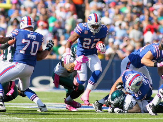 ORCHARD PARK, NY - OCTOBER 09: Fred Jackson #22 of the Buffalo Bills runs against the Philadelphia Eagles at Ralph Wilson Stadium on October 9, 2011 in Orchard Park, New York. (Photo by Rick Stewart/Getty Images)