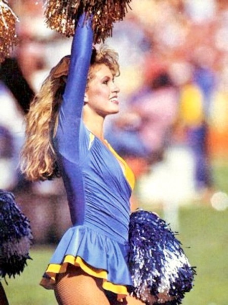 Cheering-on-the-sidelines-for-the-LA-Rams-the-day-Eric-Dickerson-broke-his-record3