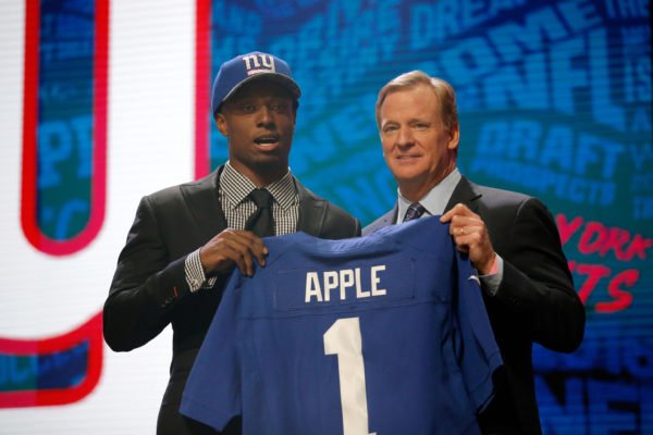 la-nfl-draft-apple-20160428