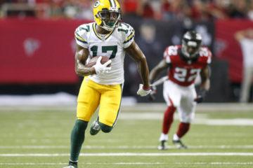 Oct 30, 2016; Atlanta, GA, USA; Green Bay Packers wide receiver Davante Adams (17) runs after a catch against the Atlanta Falcons in the first quarter at the Georgia Dome. Mandatory Credit: Brett Davis-USA TODAY Sports