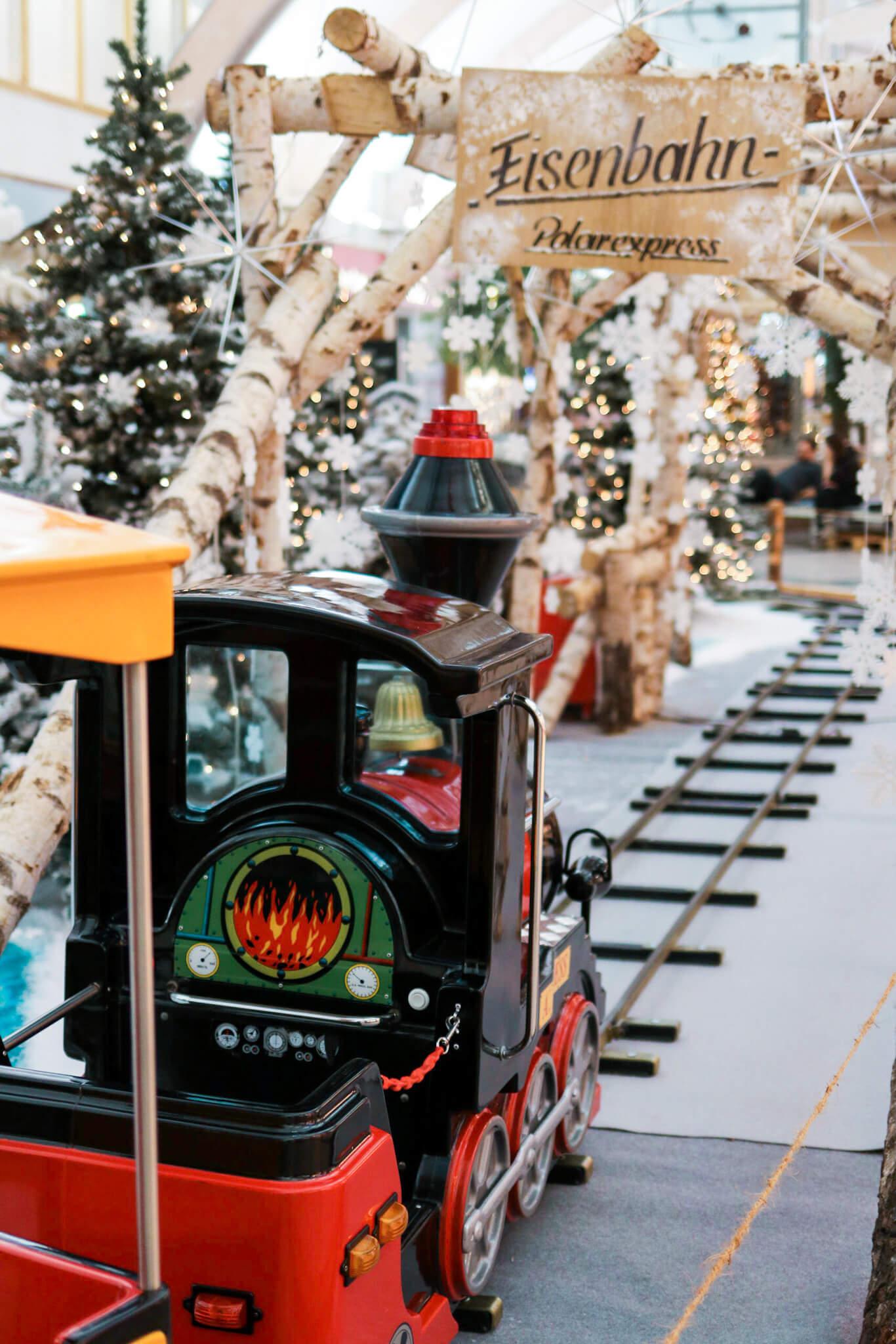 Weihnachten im Brücken-Center… mit Kindereisenbahn und Geschenken ...