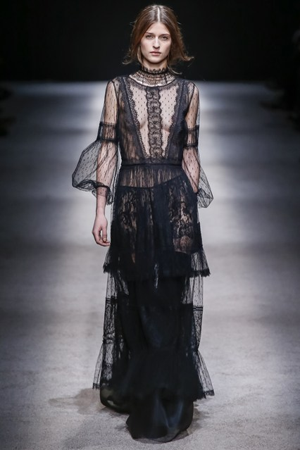 Alberta Ferretti inspired by portraits from the Renaissance – because they  depicted strong women with character and personality.