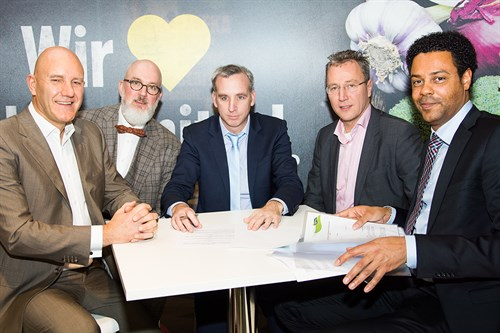 Ondertekening contract edeka