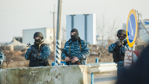 Berkut mans a checkpoint at the entrance to the crimea peninsular  march 10  2014