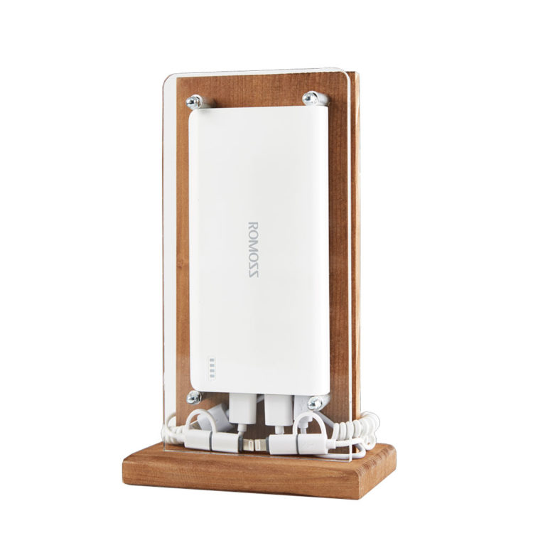 cafe-resto-power-bank-charger-for-restaurants-bars-hotel-smartphones-tablets-wood-1