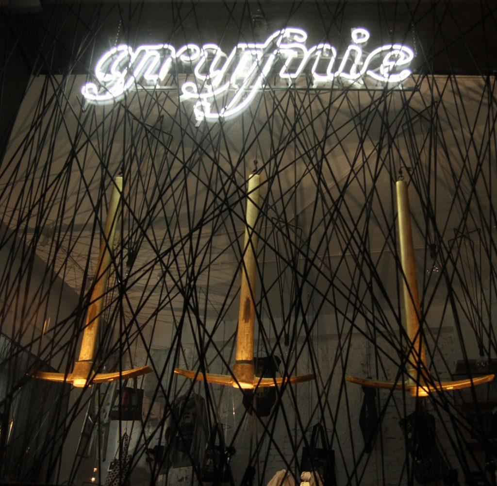 window display for Gryfnie