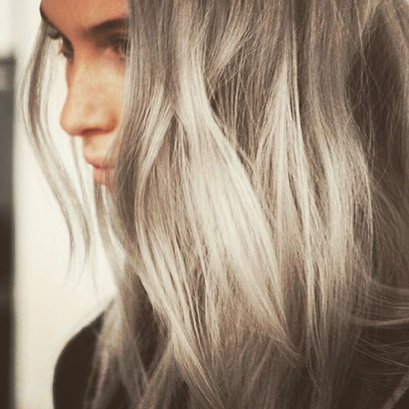 silbernes Haar