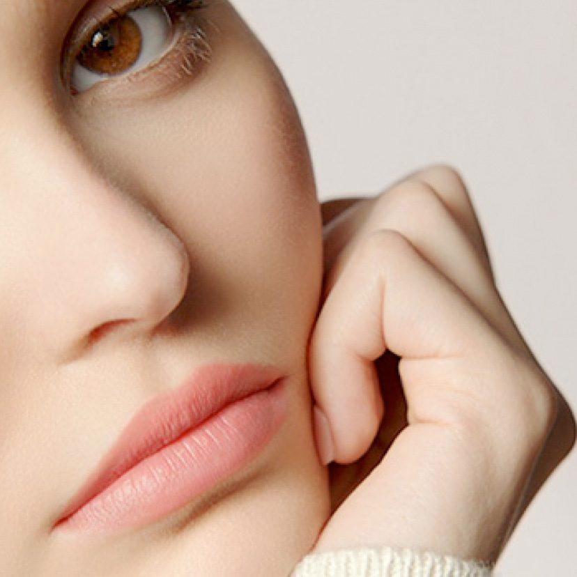 Slikovni rezultat za Mache diese Lippenpomade ganz einfach selber Zuhause – für weiche und natürlich rosafarbene Lippen