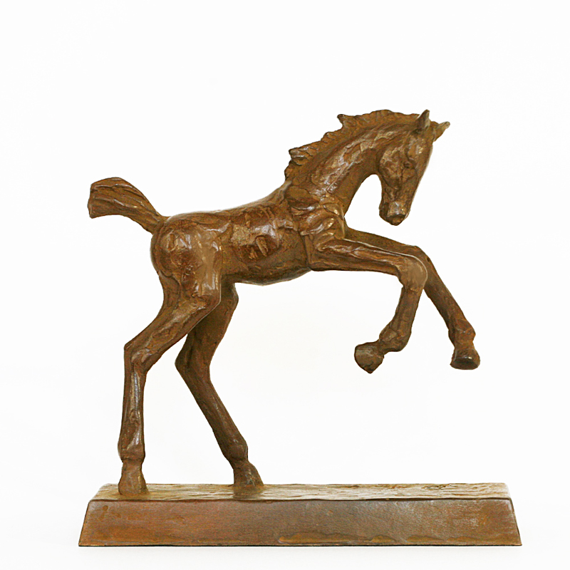 Maurice den boer  spring in de wei  brons  16 x 16 cm. e. 495 00. r