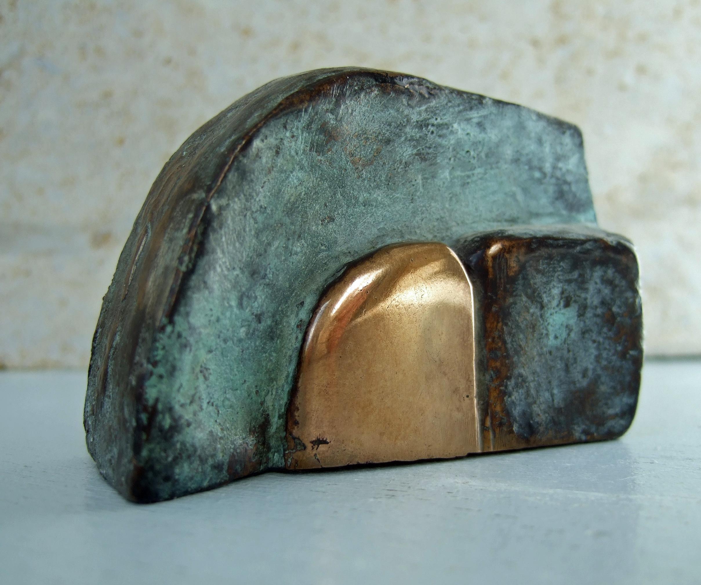 Marina v.d. kooi  gesloten  brons  4 x 7 cm. e.  320 00