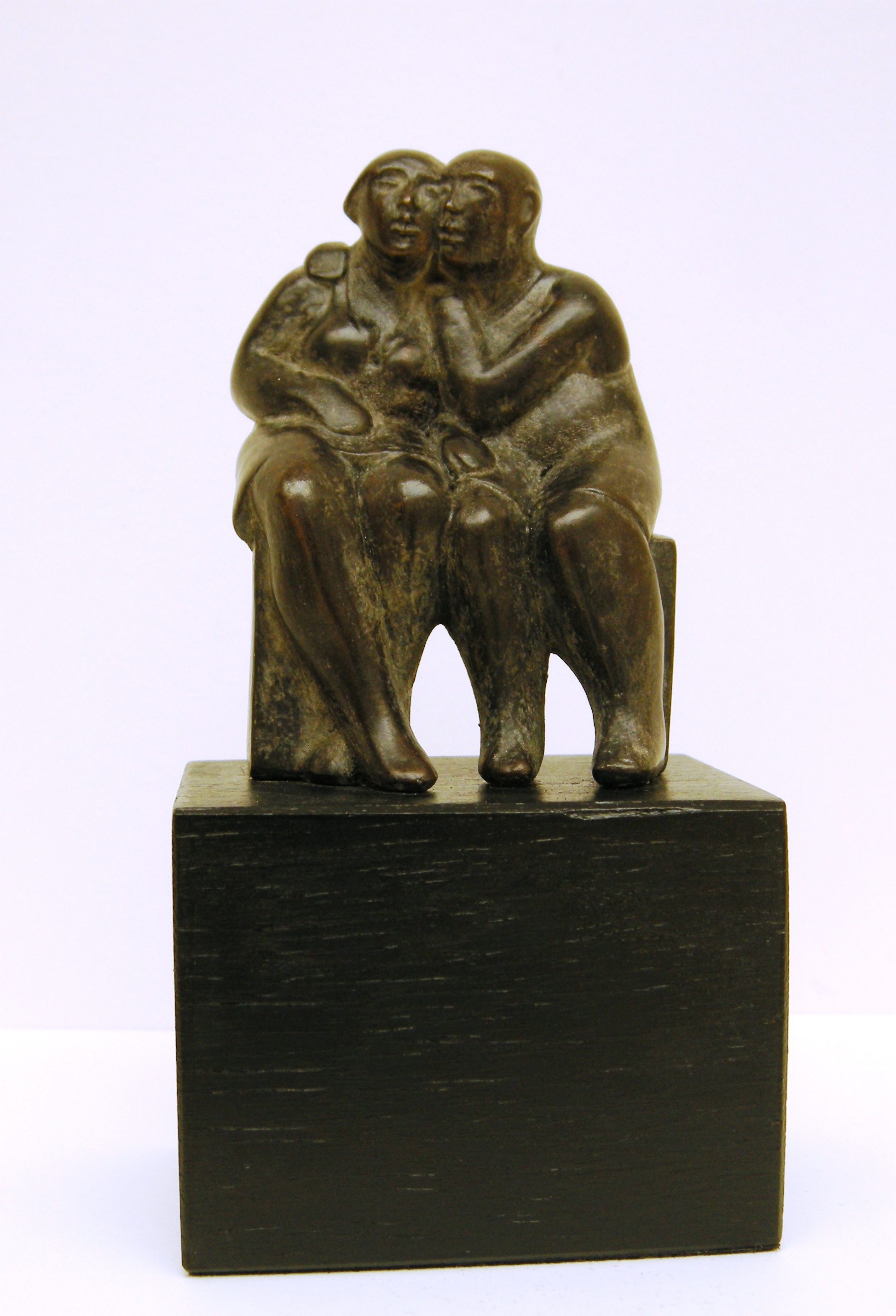 Jan leeuwenburgh  bankgeheim  brons  oplage 8   hoog 12 cm.
