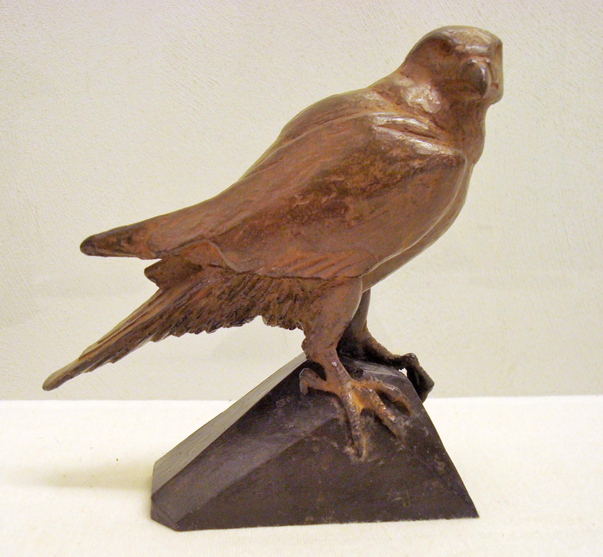 Loek prins kleine slechtvalk  brons  hoogte 12 cm. e. 700 00   kopie